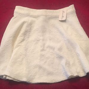 Beautiful Cream Colored Forever 21 Skirt NEW